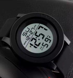Продам отличные новые часы