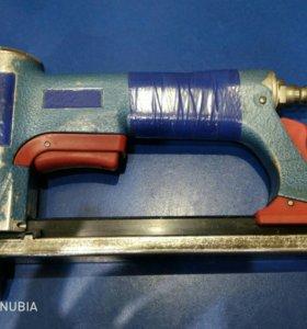 Пневматический степлер для мебели