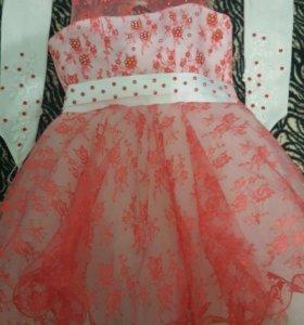 Продаю платье на рост 110 -116 см.