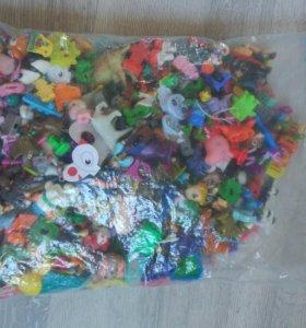 1,5 кг игрушки киндер сюрприз