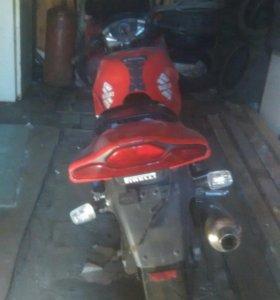 Мотоцикл SUZUKI RF400