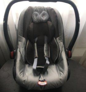 Автомобильное кресло (люлька)