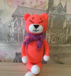 Вязаная игрушка кот Аминеко