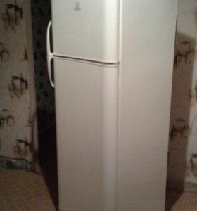 Холодильник Indesit RA32G.015