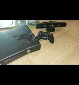 Xbox 360 slim 500gb.11лицензионок. Кинект и пад