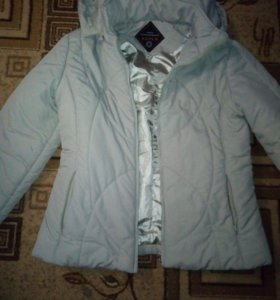 Курточка женская(2 из профиля,за 500)