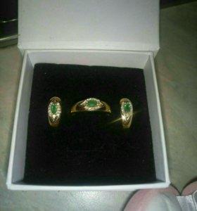 Набор золотые кольцо и серьги изумруд с бриллианта