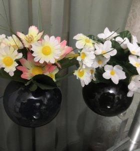 Керамическая вазочка с букетом