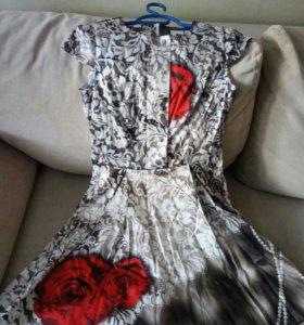 Платье 42 размер новое