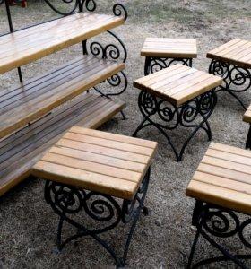 Кованая полка и шесть стульев