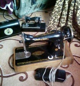 Швейная машина( с электро приводом)