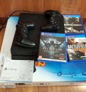 PS4 + 2 контроллера и 5 игр. 20 тыс рублей.