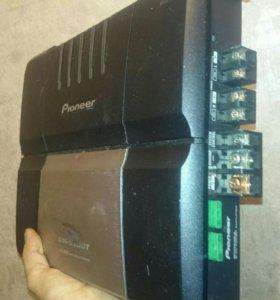Мощный 2х кан. Усилитель Pioneer gm-5300T