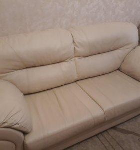 Мягкая мебель из телячьей кожи (диван+кресло)