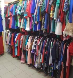 Отдел женской одежды в ТД.