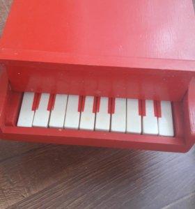 Пианино игрушечное