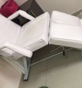 Педикюрное кресло,кушетка