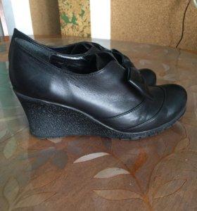 Туфли кожаные на танкетке. Туфли 39 размер