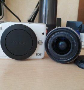 Камера Canon eos M10 kit