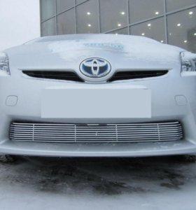 Тюнинговая решетка в бампер для Toyota Prius