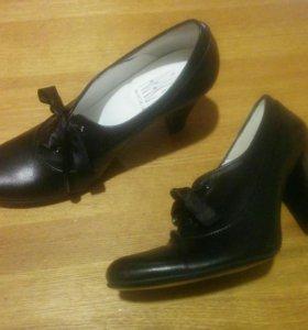 Новые кожаные туфли/ботильоны