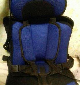 Бескаркасное кресло б/у