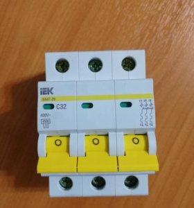 Автоматический выключатель ВА47-29 3Р С32