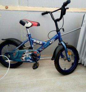 Велосипед для мальчика от 2 до 4(5) лет