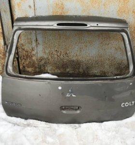 Крышка багажника мицубиси кольт