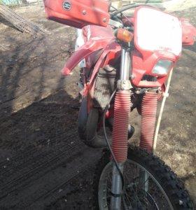 Продам мотоцикл Honda CRM