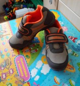 Новые кроссовки 32 р (21 см)