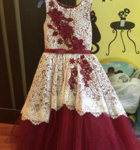 Шикарное платье на рост 110-116