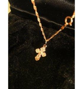 Золотая цепочка с золотым крестиком кулоном
