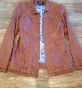 Куртка б/у 44-46 размер