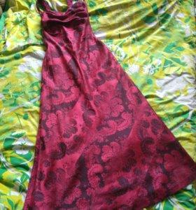 Нарядное платье на выпускной бордового цвета