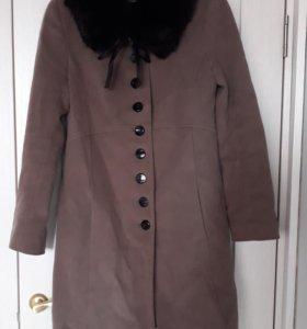 Пальто женское с мехом 46р