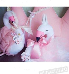 Мягкая игрушка фламинго в бабочке
