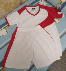 Спортивная одежда для футбола