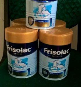 Продаю детскую молочную смесь Frisolac gold 1.