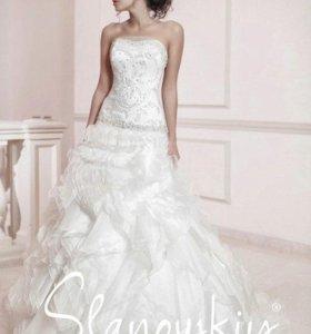 Свадебное платье, новое, со шлейфом