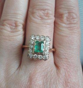 Кольцо золото 585 бриллианты, изумруд.