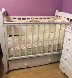 Кроватка детская(красная звезда)