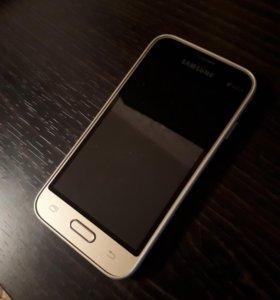 Samsung Galaxy J1 min