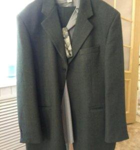 Мужской костюм