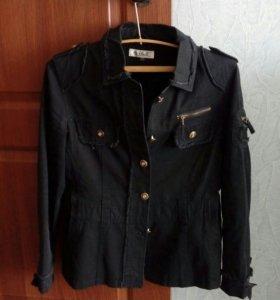 Джинсовая черная куртка