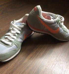 Кроссовки Nike 👟