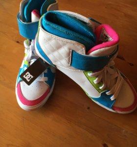 Кеды DC shoes новые (женские)