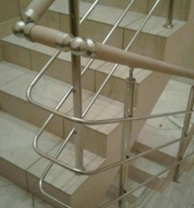Перила для лестницы на этаж