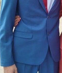 Продаю костюм