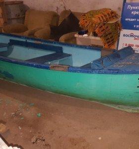 Кефаль , весельно моторная лодка.